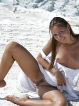 Simple but sweet girl-next-door Alizeya A flashing